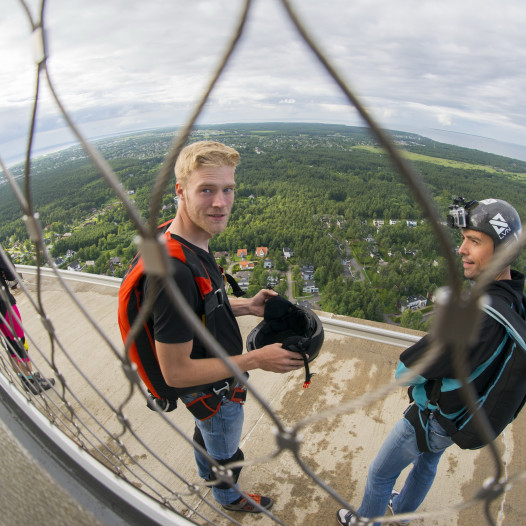 Base jumps Tallinn TV Tower (2)