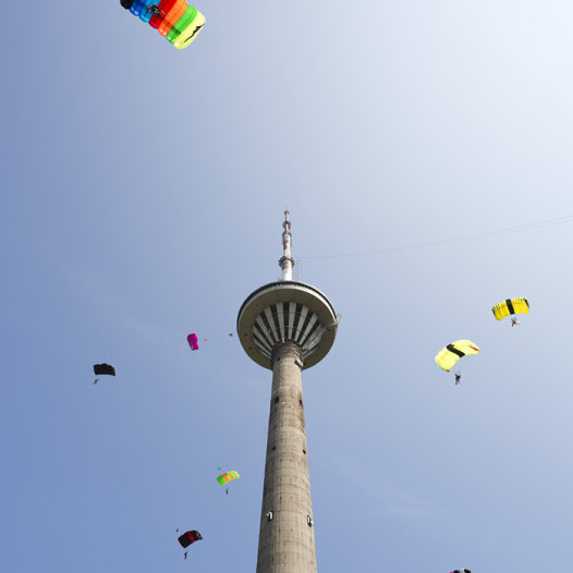 base jumping tallinn tv tower
