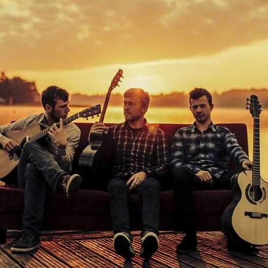 Päikeseloojangu kontsert. Viljandi Guitar Trio.