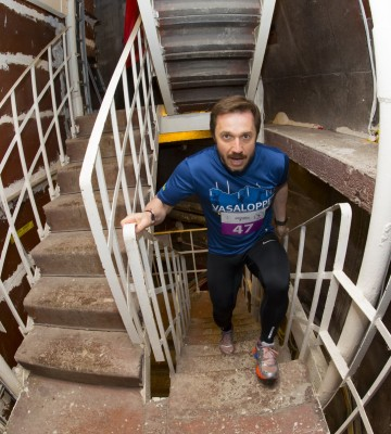 Тренировки по забегу по лестнице – 170 метра, 870 ступенек!
