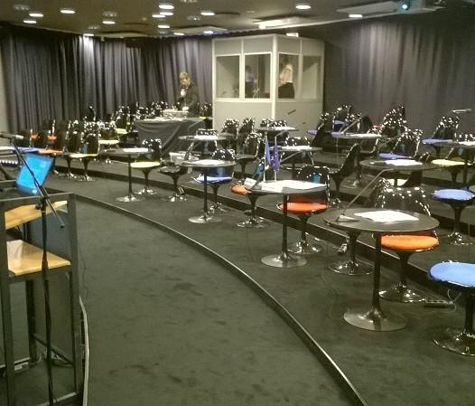 kinosaalis lauad (2)